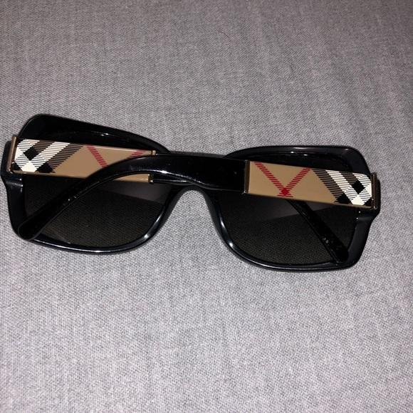 354597f390fc2 Burberry Accessories - Burberry Sun Glasses
